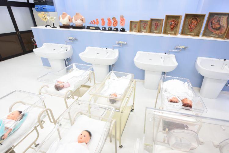母子看護実習室④